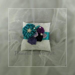 Възглавничка за халки, тюркоаз и лилаво, поставка за халки
